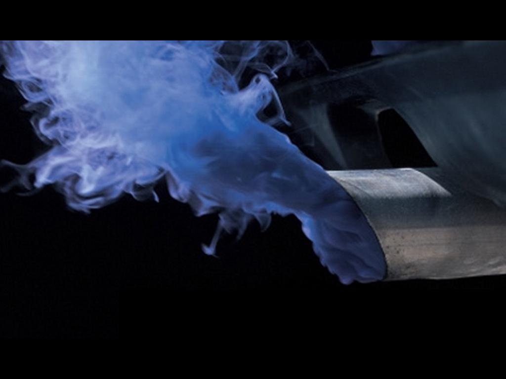 Почему идет синий дым из глушителя